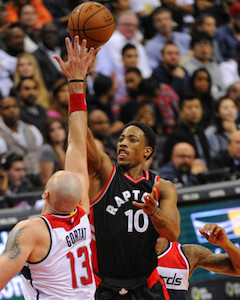<a href='/basketball/showArticle.htm?id=30590'>Hoops Lab: DeMar DeRozan... Mentioned With Michael Jordan?</a>