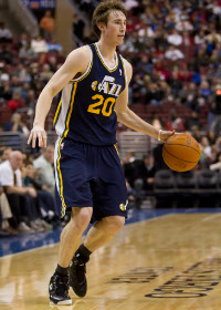 <a href='/basketball/showArticle.htm?id=30863'>NBA Barometer: Hayward's Only Getting Better</a>