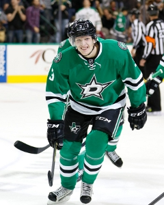 <a href='/hockey/showArticle.htm?id=22000'>Blue Line Buzz: Younger and Faster In Dallas</a>